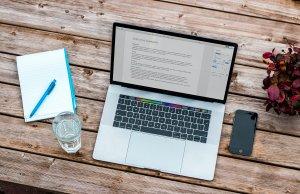資格 オンライン受験 フリー素材