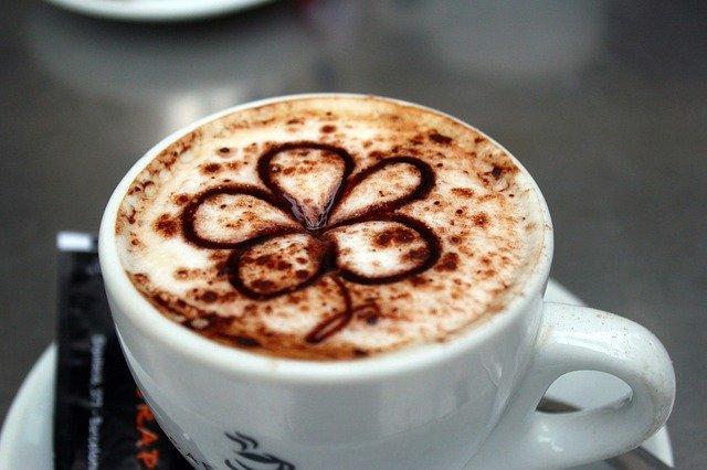 カフェモカとはチョコレート風味のこと